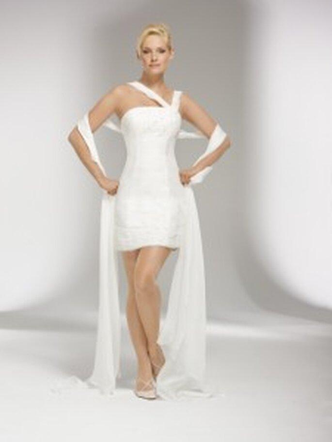 Lohrengel 2010 Rahima - Verwandelbares Kleid mit abnehmbarem langen Rock und Schleppe, asymmetrische Träger