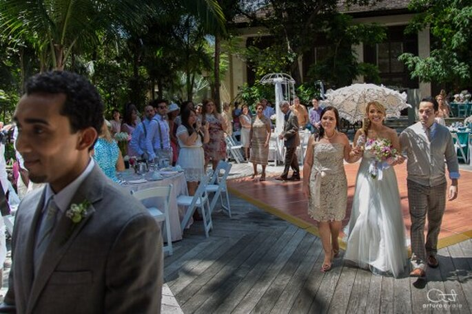 incluye a tus papás y emociones en la fotografía de tu boda - Foto Arturo Ayala