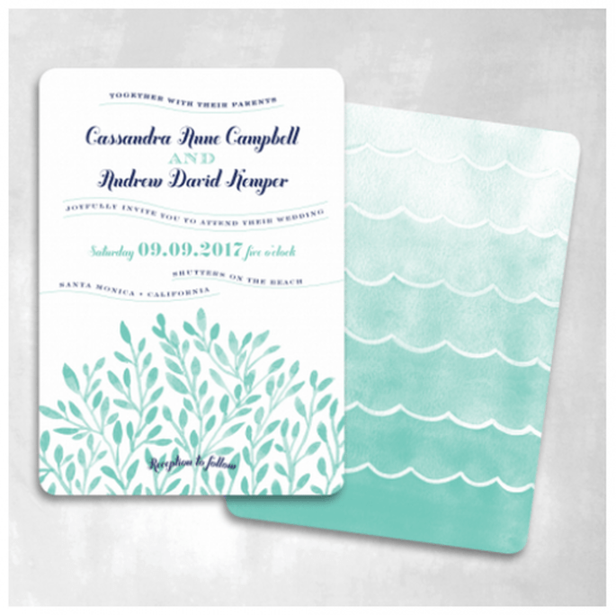Un tono degradado o el estilo ombré complementarán a la perfección tus invitaciones - Foto Smitten On Paper