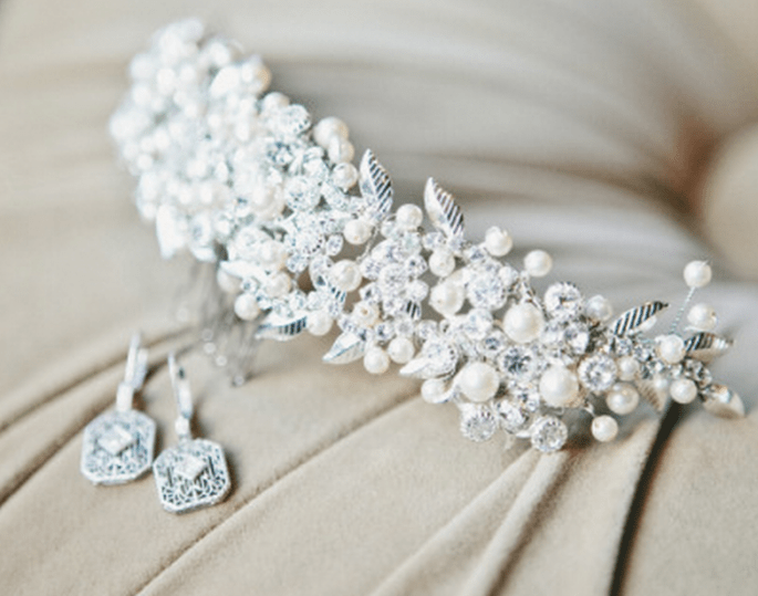 Accesorios para una novia glam - Foto One Love Photography