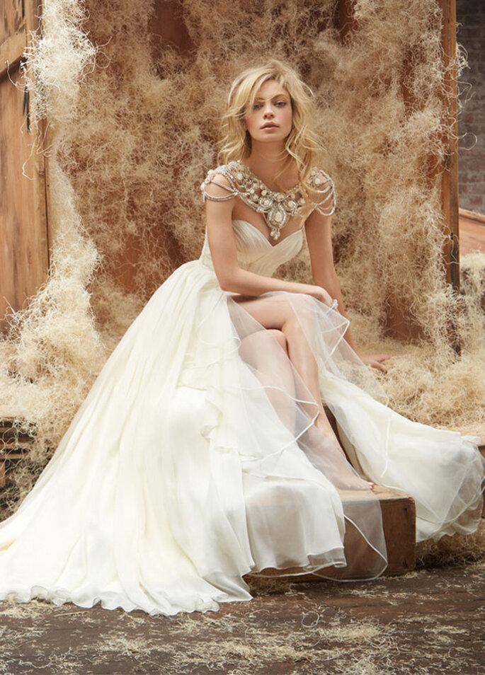 Vestidos de novia con joyas incorporadas - Foto Hayley Paige