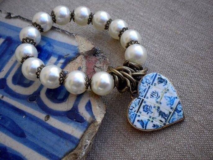 Braccialetto ispirato alle ceramiche portoghesi. Foto: Atrio. www.etsy.com/shop/Atrio