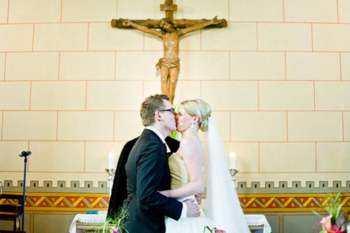 Geschafft, getraut, geküsst. - Foto: jonpride.com