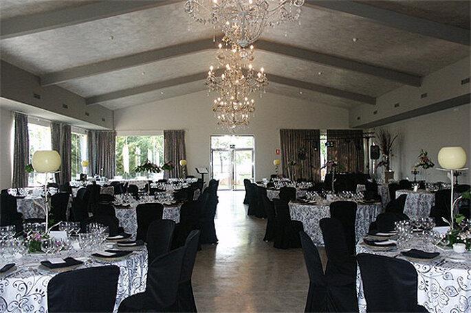 Aprende a organizar las mesas de tu banquete de bodas. Foto: Concha Molina