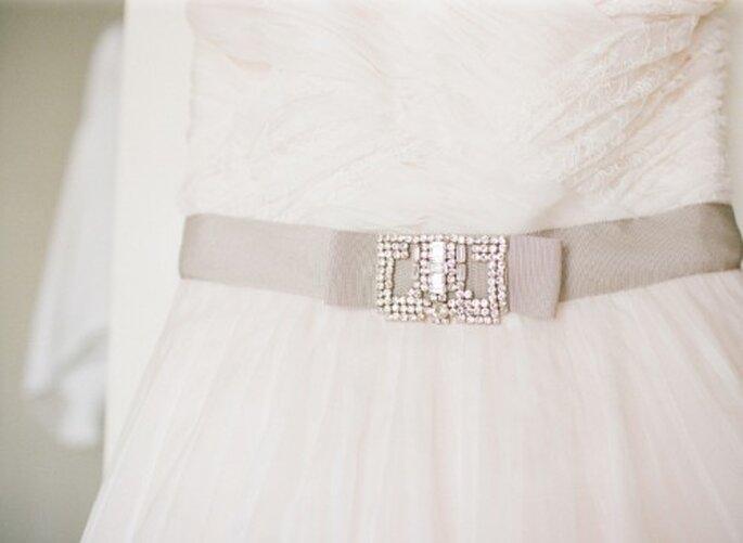 Detalle del vestido de novia elegido por Cheryl - Foto Jen Lynne