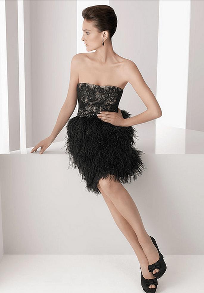 Gli abiti da sera corti sono sexy eleganti e alla moda