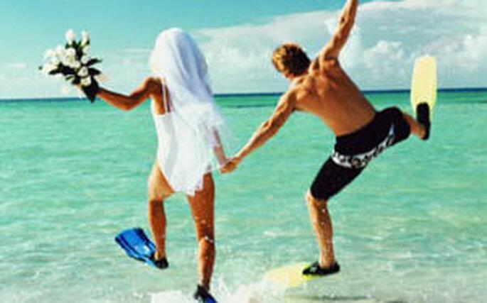 Celebrar tu boda bajo el agua es una alternativa para los aventureros