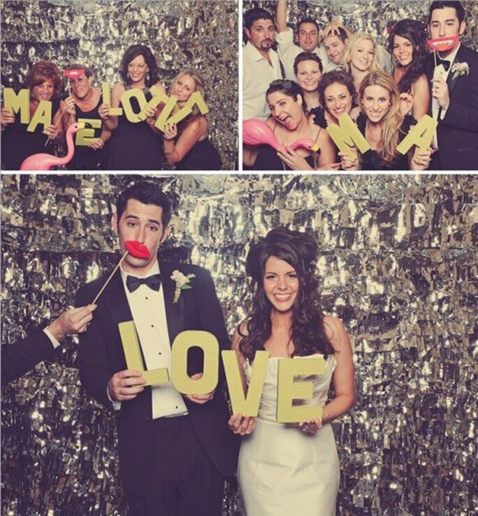 Photocall de boda con letras y objetos temáticos