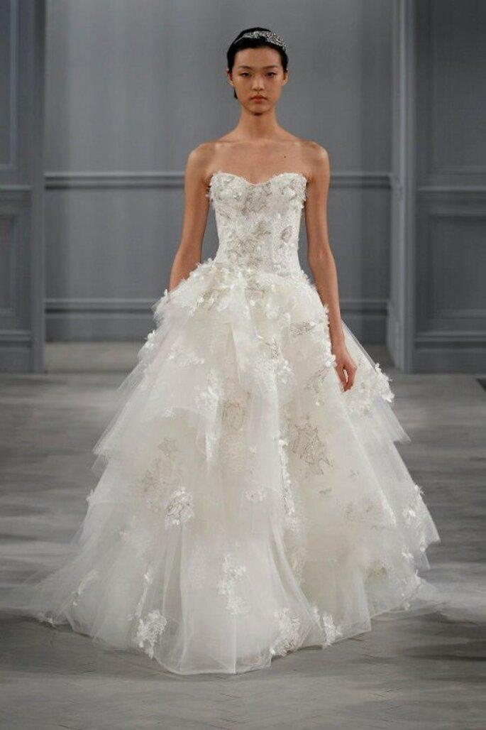 Complementa tu look de novia con una diadema de pedrería - Foto Monique Lhuillier