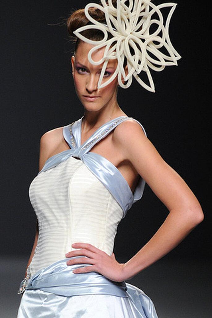 Los tocados son el complemento perfecto con los vestidos de novia Ruben Perlotti 2012 - Tomy Pelluz - Vogue