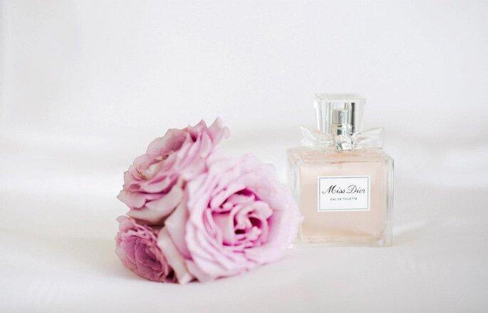 Las flores de color rosa siempre van bien con una boda. Foto de Nadia Meli