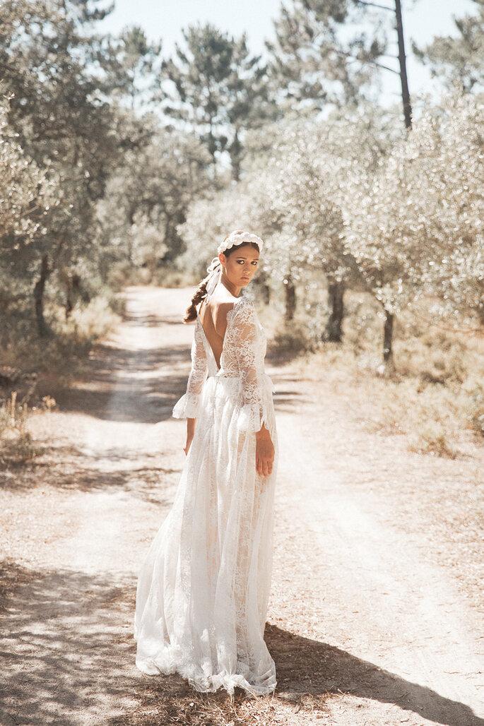 Faça a sua marcação para experimentar este vestido de noiva!