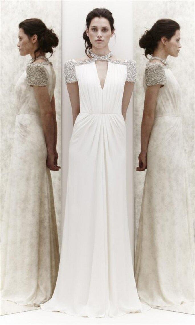 Vestido de novia con pedrería en hombros y cuello - Foto Jenny Packham 2013