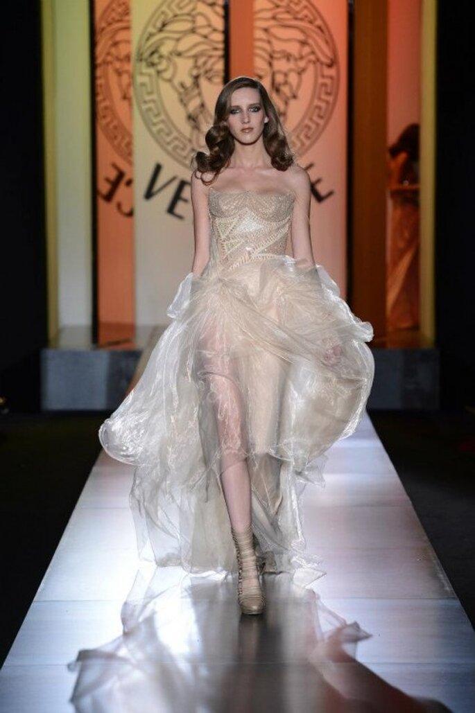 Elegante Brautkleider mit einem unvergesslichen Charme – Foto: Versace