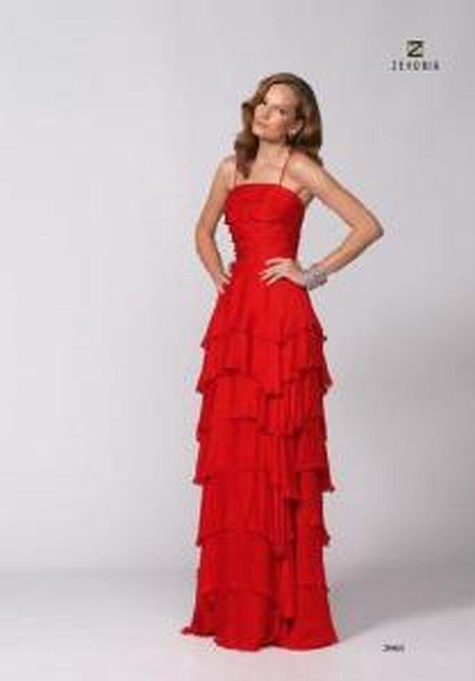 Model Novias 2009 - Vestido largo rojo de escote recto, breteles finos