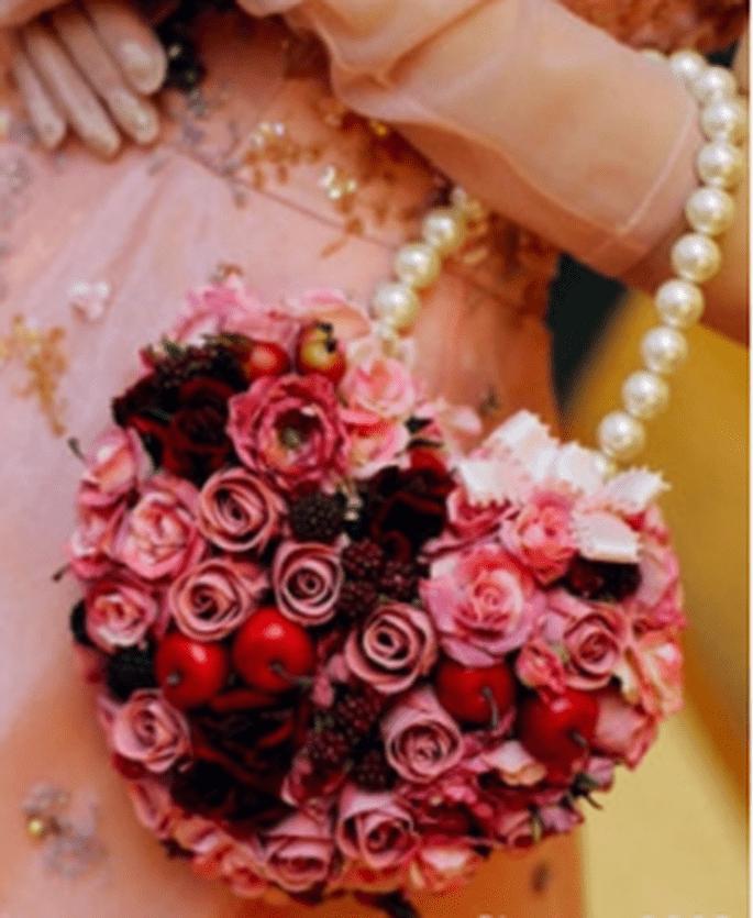 ...ed uno coloratissimo con fiori e frutta