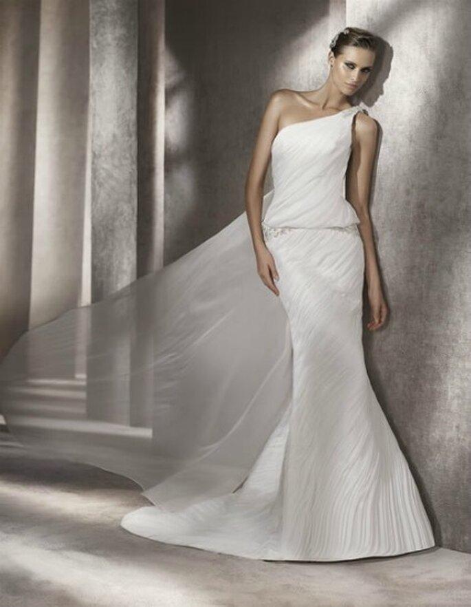 Pronovias Pre-Collezione Fashion 2012 Mod. Paraiso