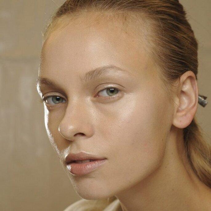 Look natural con brillo - Foto MAC Cosmetics