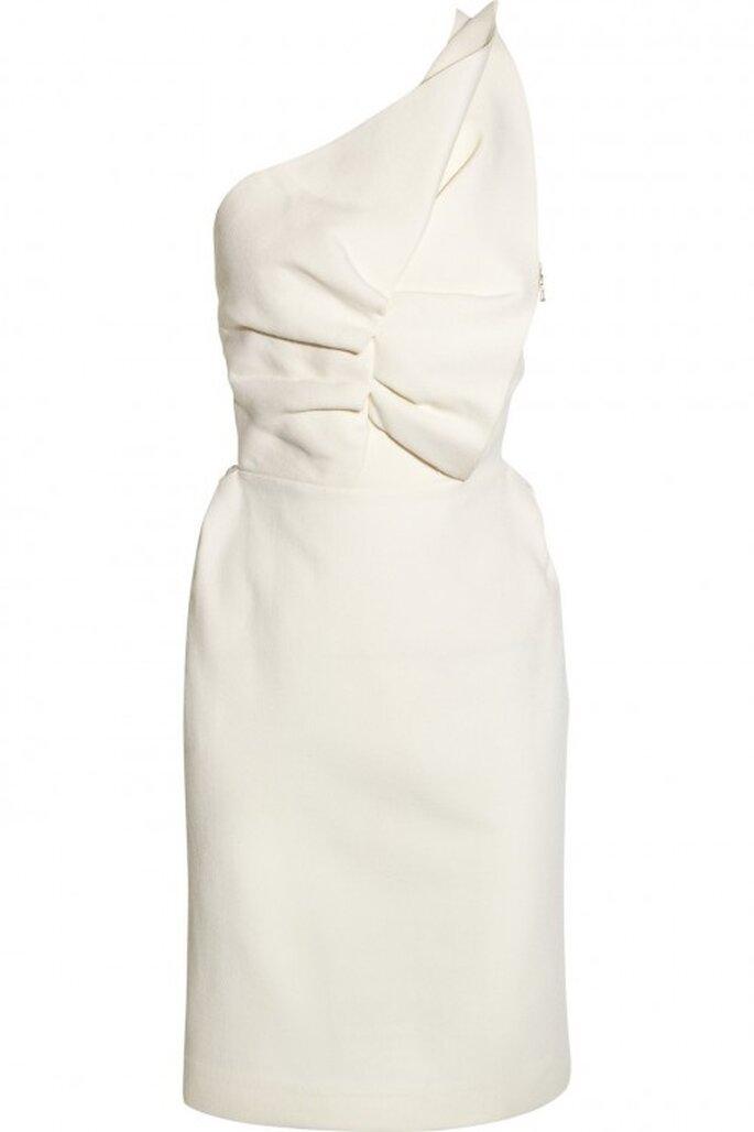 Vestido de novia otoño 2013 corto con tirante en un hombro y plisados en ka parte frontal - Foto Net a Porter