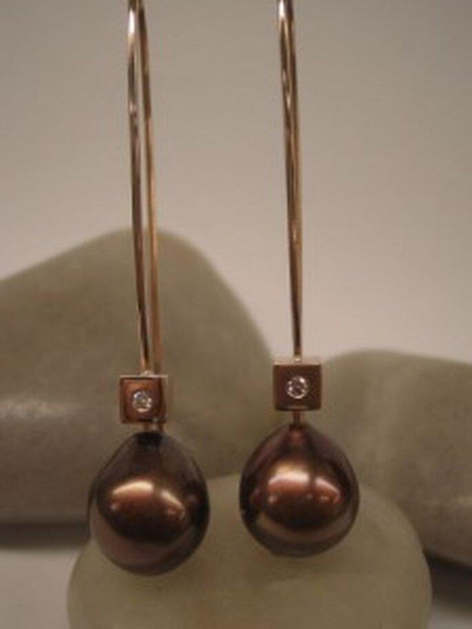 Pendientes de oro rosa de 750 milésimas con diamantes y perlas color chocolate,peras y barrocas - Casas & Urtubia