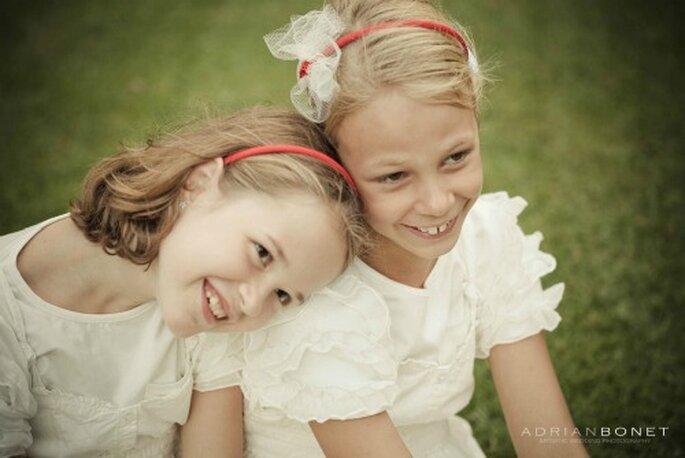 La tenue des enfants d'honneur donne le ton du mariage - Photo : Adrian Bonet