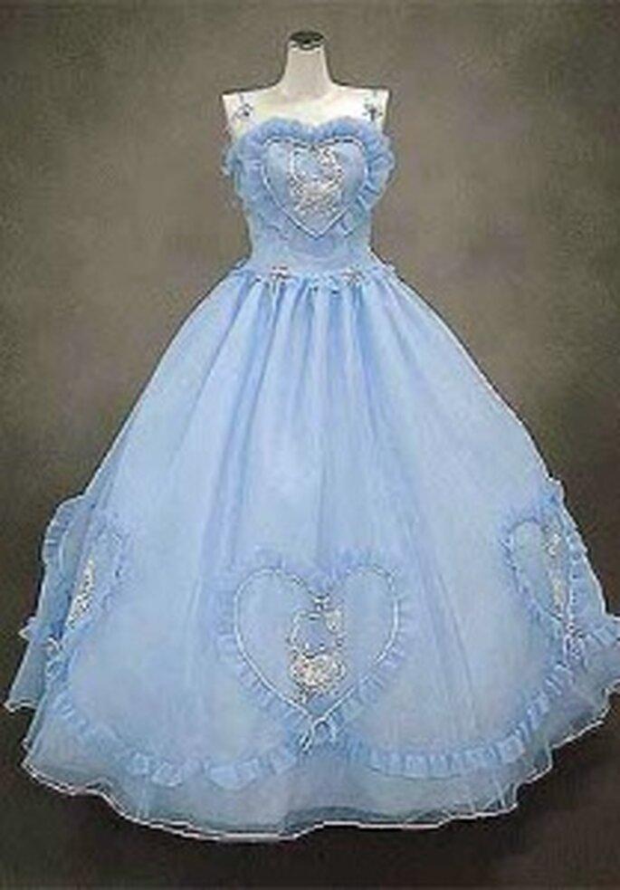 Hello Kitty 2009 - Vestido largo en gasas, de corte princesa, escote y bajos con corazones, tirantes finos