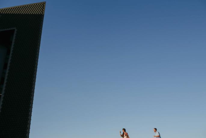 Fotos pre boda divertidas con toques arquitectónicos - Foto Armando Aragón