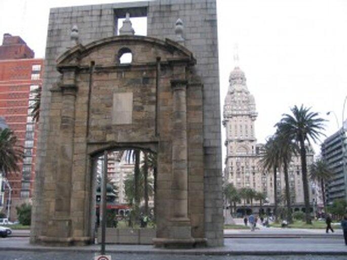 La puerta de la Ciudadela: bienvenidos al circuito nupcial en Ciudad Vieja