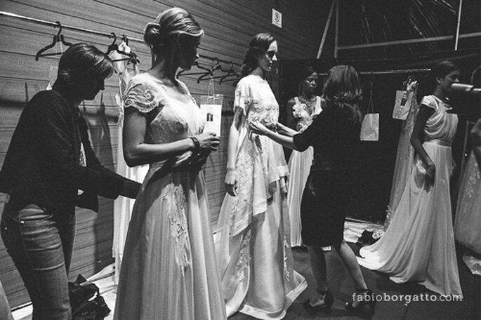 Preparação para o desfile da Emannuelle Junqueira CasaModa Noivas 2013 - Foto: Wilian Olivato
