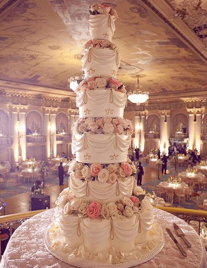 Pinterest/Rosebud Cakes