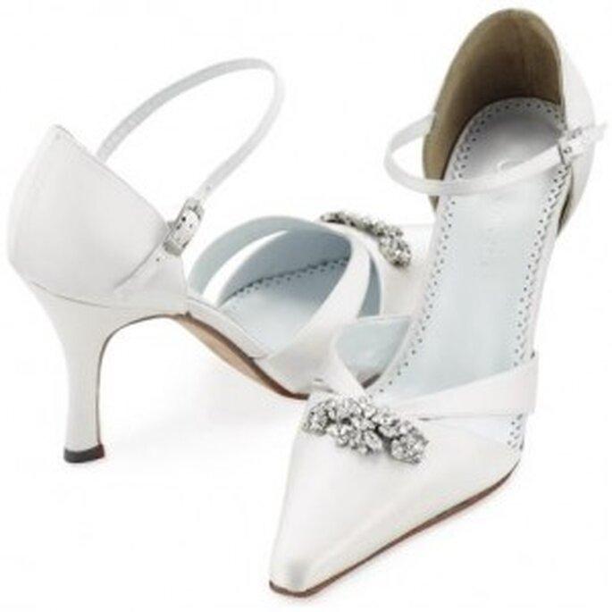 Zapatos para novia con detalle en plata y punta cuadrada fina: comodísimos y a la vez muy elegantes