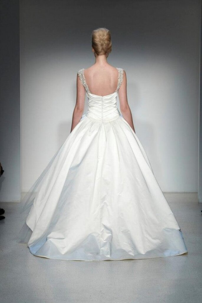 Vestido de novia 2014 con escote en la espalda - Foto Kenneth Pool