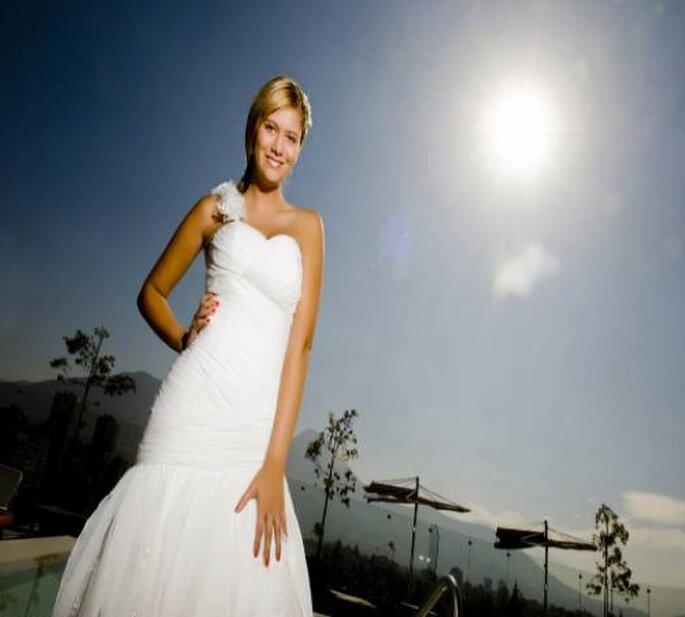 Robe de mariée avec une seule bretelle, Macarena Palma