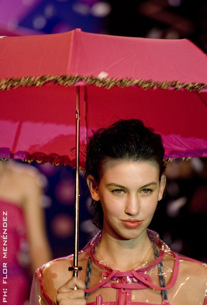 Modische Regenjacken mit passendem Schirm liegen im Trend– Foto: Seco