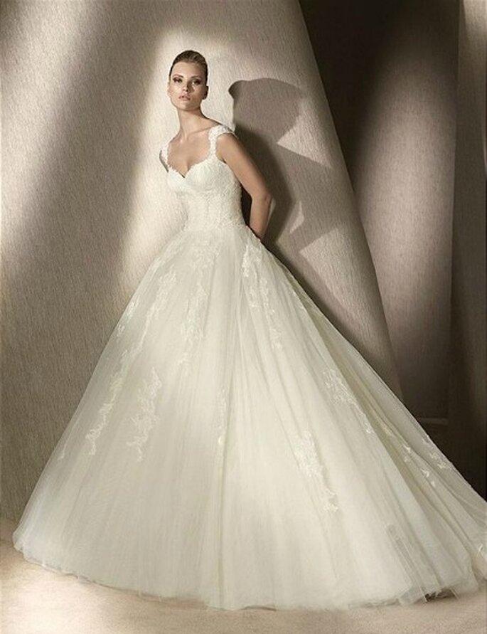 Vestido de novia en Tul y y apliques de encaje. St.Patrick 2012