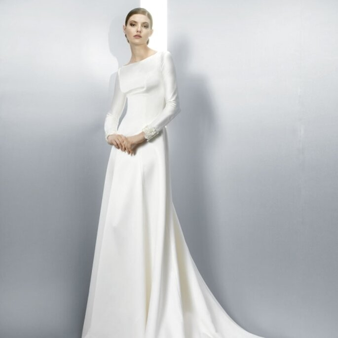 2013 wedding dress trend illusion sleeves cuffs and gloves for Wedding dress with long gloves