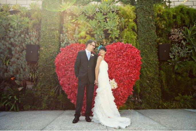 Was symbolisiert schöner die Liebe als ein rotes Herz aus Rosen? Foto: Ashley-Rose