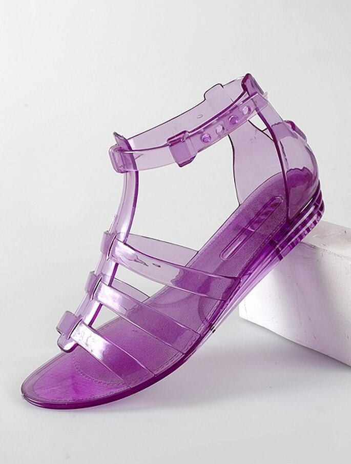 Sandalias de material plástico de diversos colores de Desmazieres