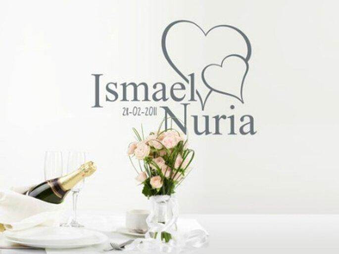 Vinilo decorativo personalizalo con vuestros nombres y la fecha de vuestro enlace - www.proyectovinilo.com