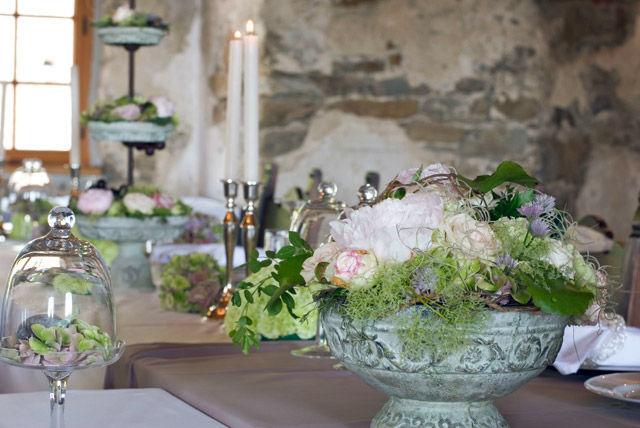Beispiel: Tischdekoration, Foto: Blumen Malecek.