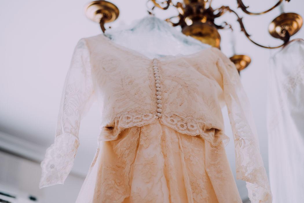 E+C El vestido - efeunoocho fotografía de boda