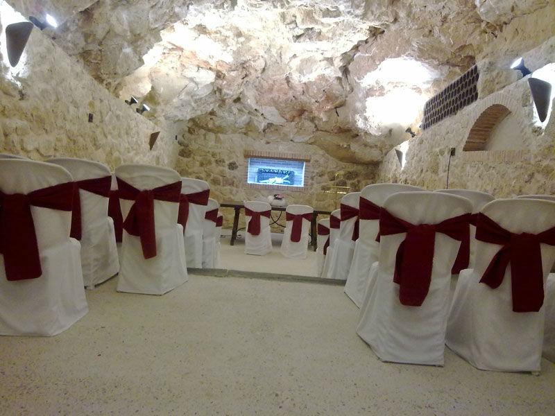 Ceremonia original en una Cueva