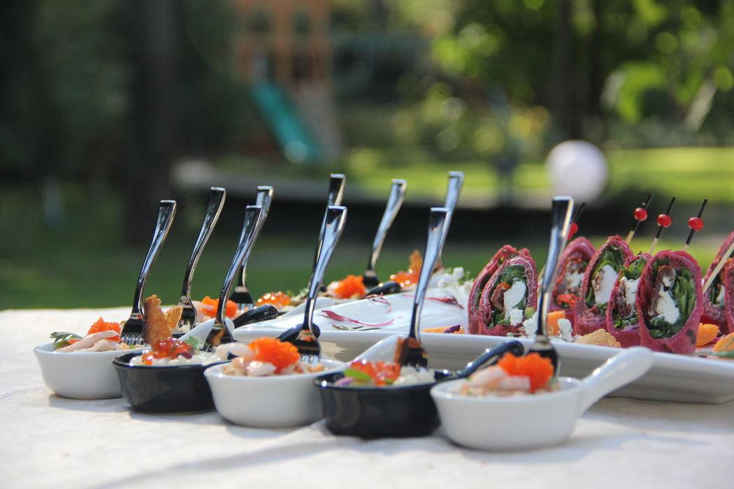 Канапе и мини закуски на встречу гостей