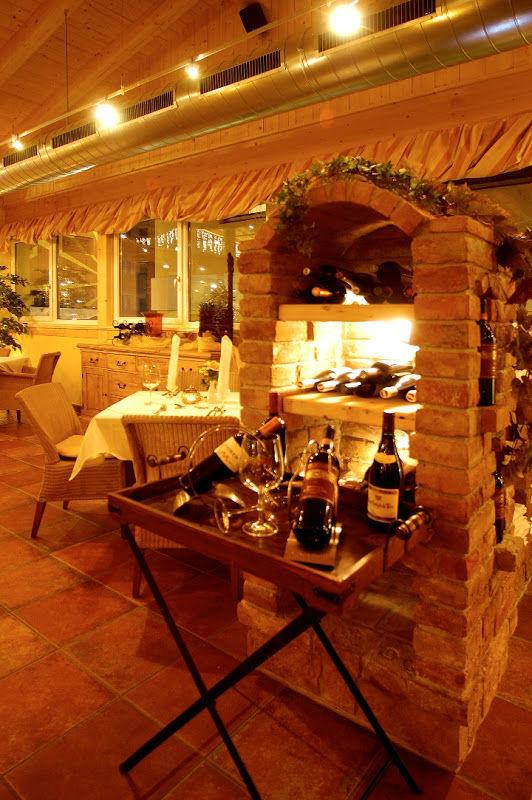 Beispiel: Weinauswahl, Foto: Verwöhnhotel Vötters Sportkristall.