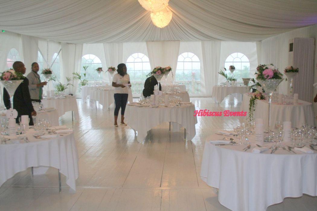 Hibiscus events Décoration mariage, décoration de table, service ponctuel comme décorer juste le coin mariés, candy bar, lieux de ceremonie, chambre nuptiale...