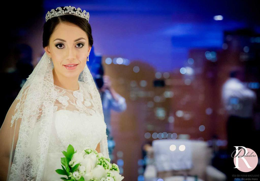 Noiva: Lívia Beleza: Dia da Noiva Exclusivo por Ro Deladore Foto: Ricardo Hara
