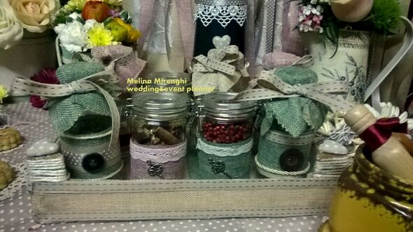 dettagli handmade :i vasetti con le spezie
