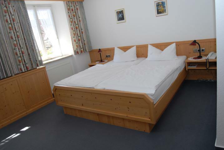 Beispiel: Zimmer, Foto: Landgasthof Rössle.