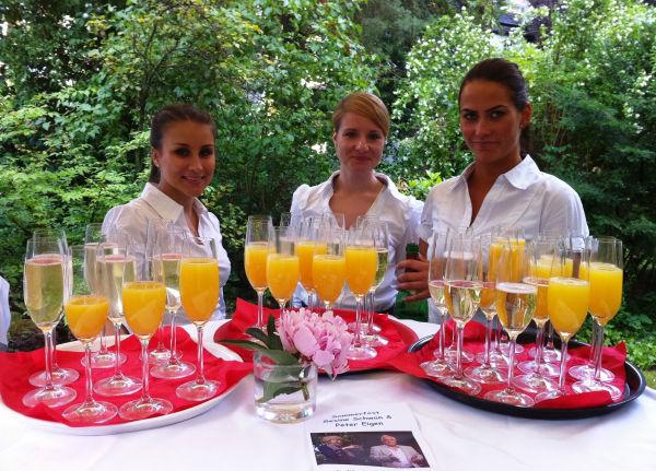 Beispiel: Freundliches Servicepersonal, Foto: Hotel Restaurant Igel.
