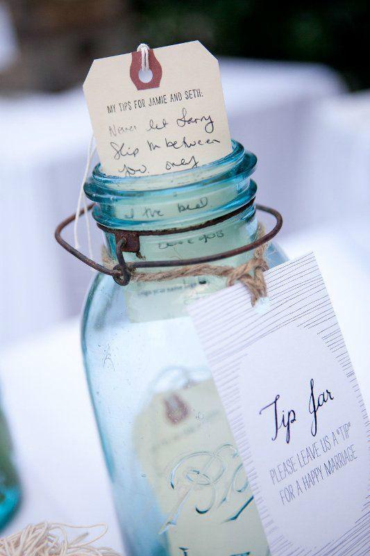 Alternative Guestbook Idea - Message in the bottle (bottigliette e cartoncini personalizzati per raccogliere le dediche di parenti e amici)
